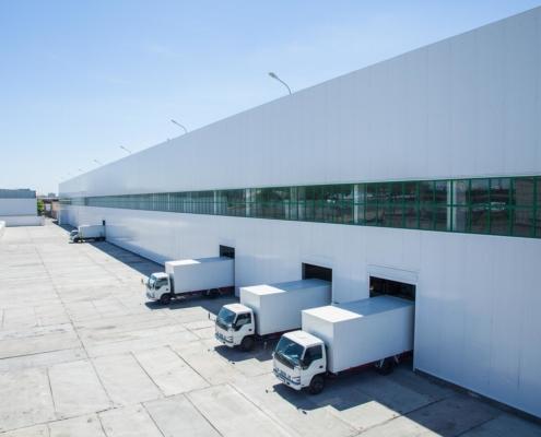 Logistikimmobilie mit LKW